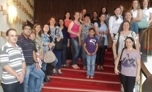 """Professores de Bituruna participam do Seminário """"Ler e Pensar"""" GRPCOM"""