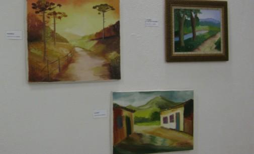 Recanto do Artesanato realiza exposição da artista Luísa Pohl de Almeida