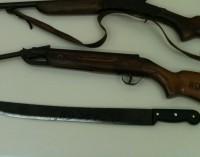 Homem é preso por violência e porte ilegal de arma em Bituruna