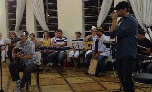 Tertúlia reúne músicas carnavalescas