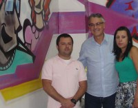 Arte em grafite é apresentada pelo promotor da Vara da Infância e Juventude
