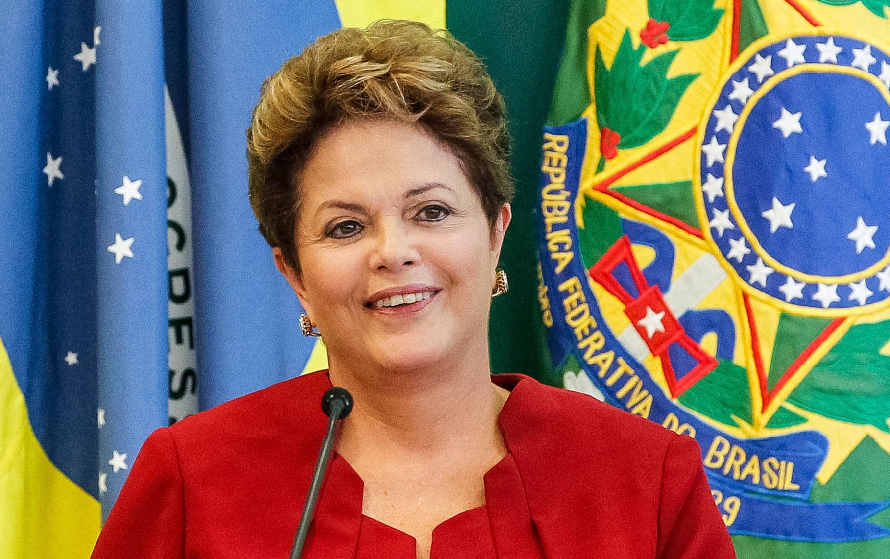 PSDB quer pedir cassação da candidatura de Dilma por polêmica com Correios, diz Veja