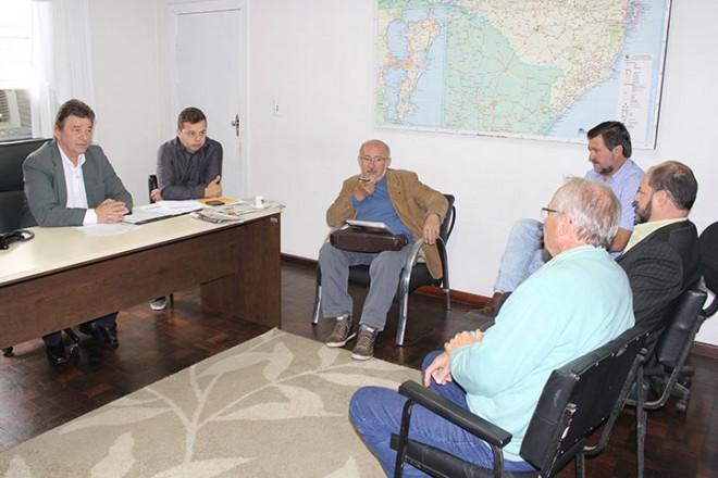 Reunião com equipe do Deinfra aconteceu na SDR Canoinhas Foto: Divulgação