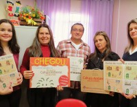 Escolas de General Carneiro recebem kits ambientais da Secretaria do Meio Ambiente