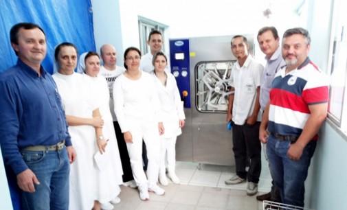 Hospital de Cruz Machado recebe autoclave