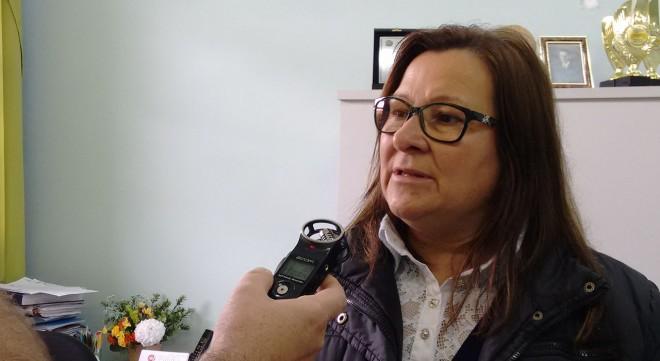 Diretora Maria Peixoto, afirma precisamos de ajudar do Governo de Santa catarina, urgente Foto: Marciel Borges/ Rádio Colmeia