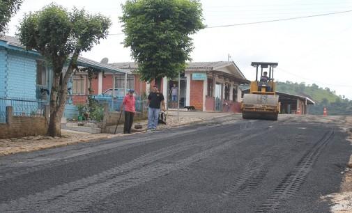 Bairro Vila Mariana em Bituruna recebe pavimentação