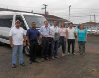Paula Freitas recebe novo veículo para a saúde