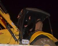 PM recupera retroescavadeira e caminhão roubado