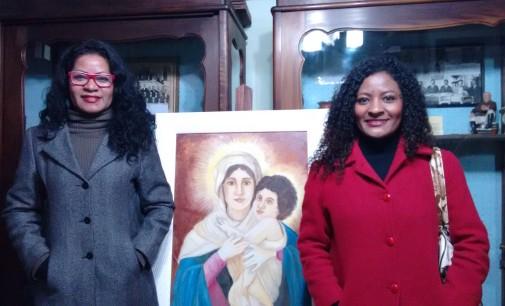Exposição das irmãs Yolanda e Adriana é aberta