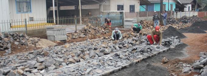 Prefeitura de Bituruna inicia pavimentação em 18 ruas