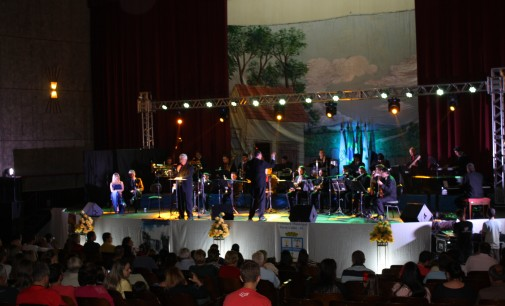 Orquestra Show fecha a programação P.U 99 anos