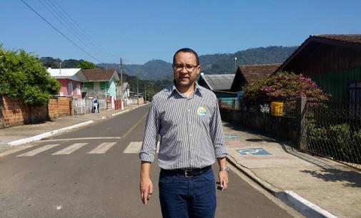 Claudinei de Paula Castilho é reeleito prefeito de Bituruna