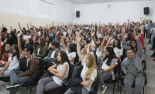 Alunos unidos em prol do Colégio José de Anchieta