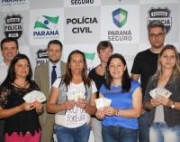 Programa de proteção realiza entrega de carteiras de identidade