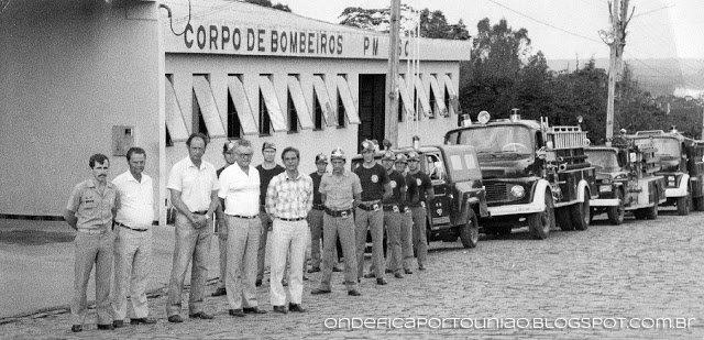 Imagem do dia da inauguração da sede do Corpo de Bombeiros de Porto União Foto: Arquivo Onde fica Porto União