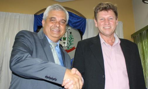 Gaúcho é empossado prefeito de General Carneiro