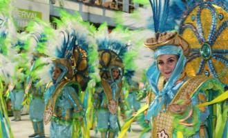 Bituruna esteve na passarela do Carnaval de Joaçaba
