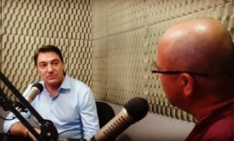 Deputado Giacobo concede entrevista para a Colmeia