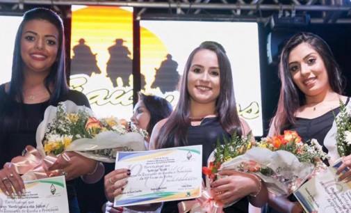 Letícia Lodi é eleita Rainha da Festa do Vinho de 2017