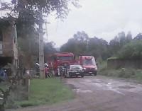 Equipes do Corpo de Bombeiros combatem princípio de incêndio