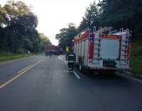Caminhões se envolvem em acidente na BR 153