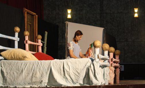"""Teatro """"Vim ver Maria"""" chama a atenção contra a violência"""