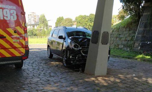 Motorista bate veículo em marco divisório do PR e SC