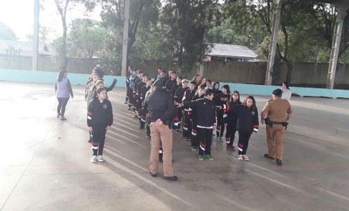 Polícia Militar de SMS realiza Ação Social em escola