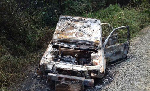 Veículo é queimado no bairro Bela Vista em UVA