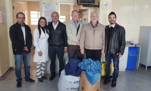 CDL faz doação de 20 cobertores para a Hemodiálise