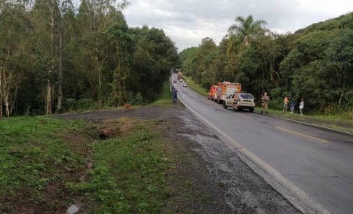 Veículo sai de pista na BR 280 em Porto União