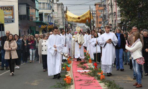 Igrejas se unem para a missa de Corpus Christi