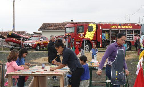 Crianças participam do Projeto Amigos do Povo em UVA
