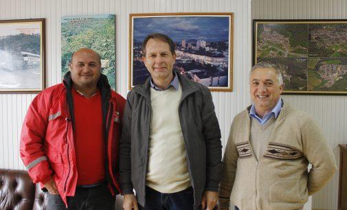 Eliseu Mibach recebe visita do prefeito de Calmon