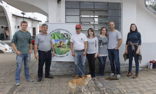 Doação de Cães é feita na Fire Fest Integração