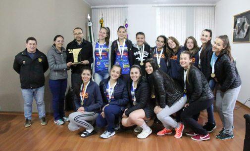 Vôlei feminino de Bituruna conquista ouro nos Jogos da Juventude