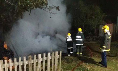 Incêndio destrói moradia em Porto União