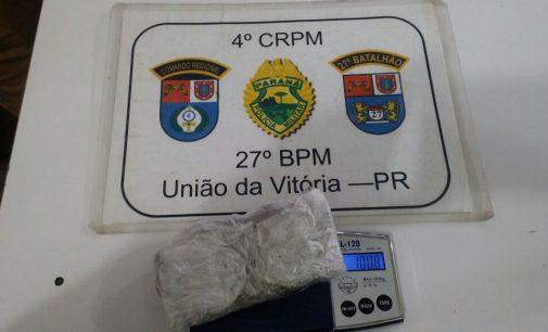 Policia Militar apreende duas mulheres por porte de drogas