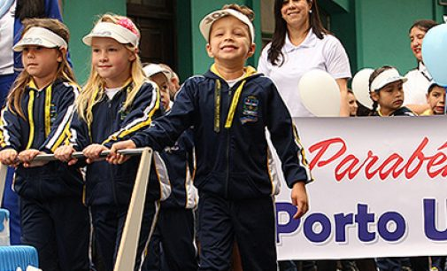 Desfile conta a história dos 100 anos de Porto União