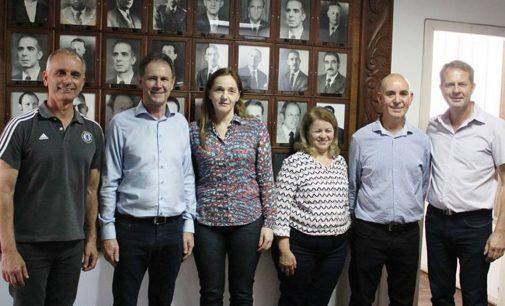 Galeria de ex-prefeitos recebe a foto de Anízio e Salvatti