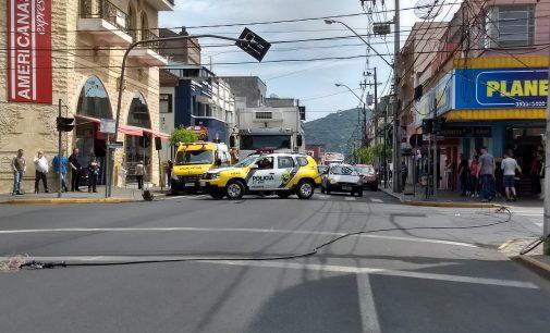 Caminhão danifica sinalização em União da Vitória