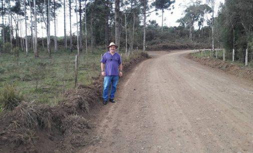 Prefeito Raul fiscaliza obras nas estradas de Matos Costa