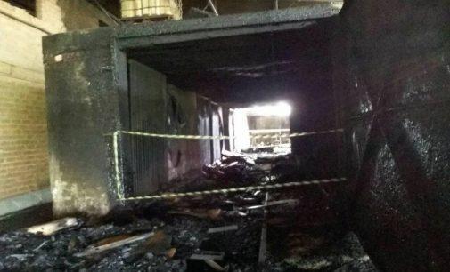 Incêndio destrói estufa na Área Industrial de PU