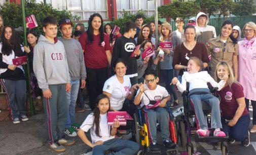 Escola CID Gonzaga faz blitz Outubro Rosa