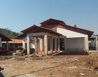 Cruz Machado continua obras na educação e habitação