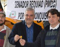 General Carneiro recebe um trator agrícola