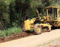 É feito mutirão para recuperação de estradas rurais em Bituruna