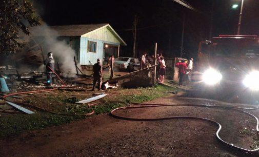 Tio salva duas crianças em incêndio no bairro Limeira
