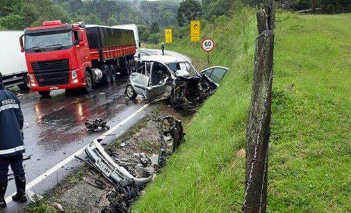 Acidente na BR 153 envolve carro e caminhão